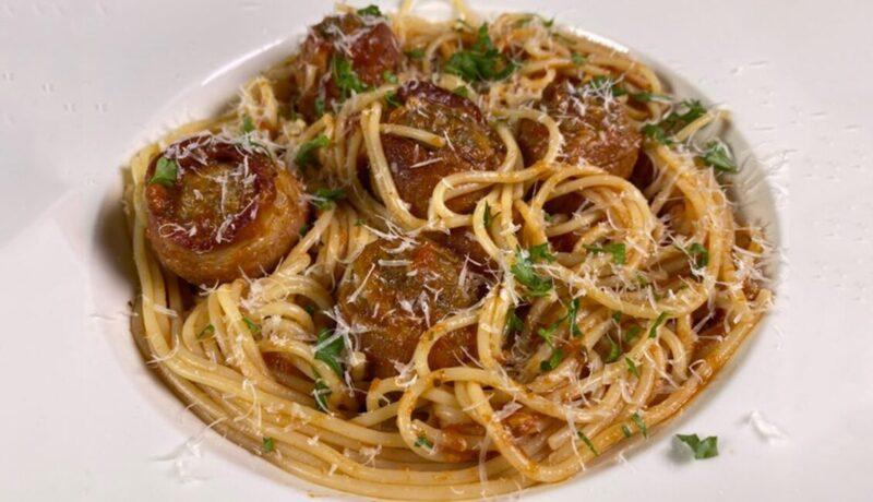 Bacon-Wrappped-Meatballs-in-Spaghetti-a-la-Marinara-min